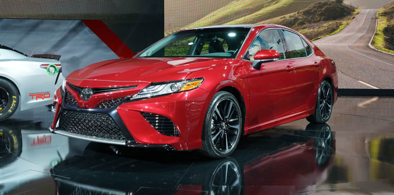 toyota-camry-detroit-front