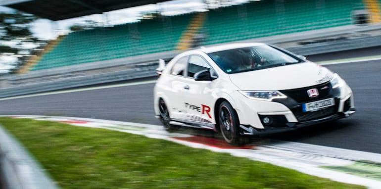 Honda Civic Type R sets new benchmark time at Monza with Honda