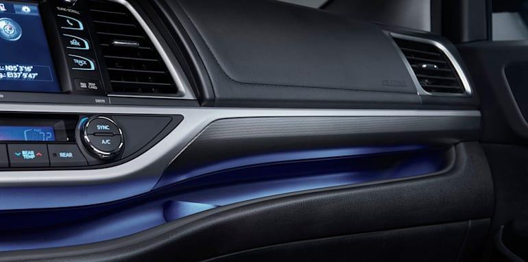 toyota-kluger-facelift-dashboard