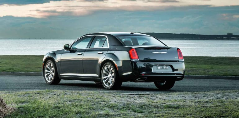 2015-Chrysler-300C-25