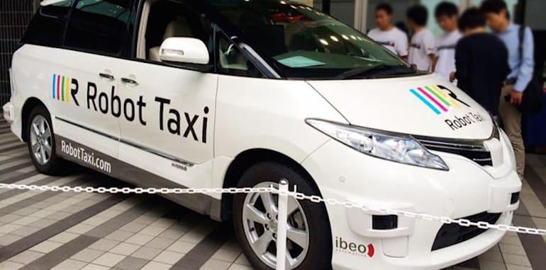 japan_robot-taxi_2