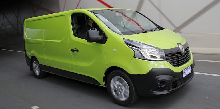 Renault-trafic-01