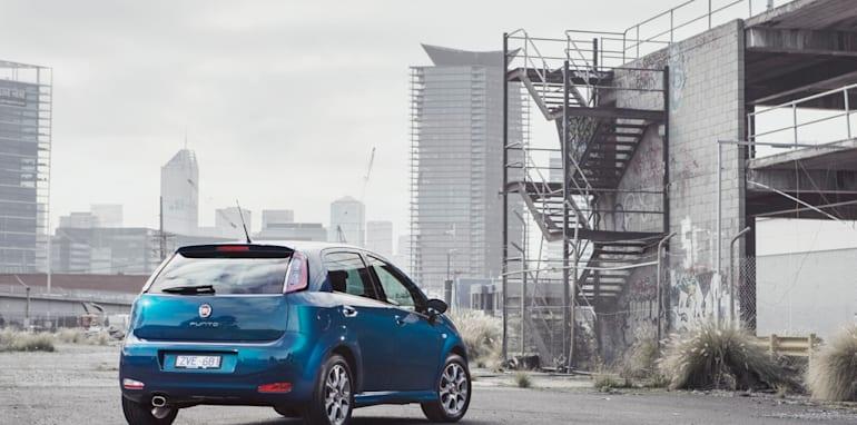2014-Fiat-Punto-Review-02