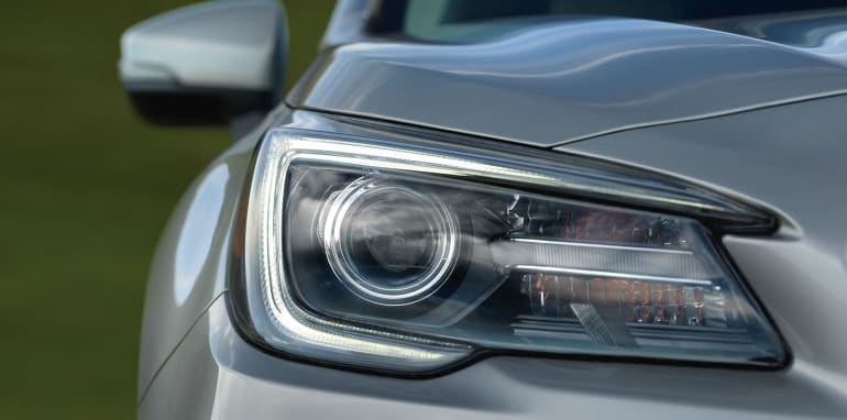 subaru-outback-facelift-headlight