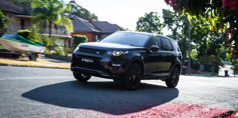 2017-land-rover-discovery-sport-with-dynamic-pack-37