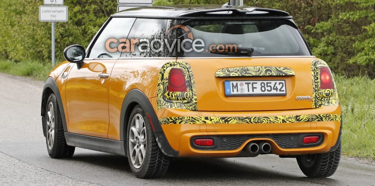 mini-hatch-cooper-s-facelift-spy-7-rear