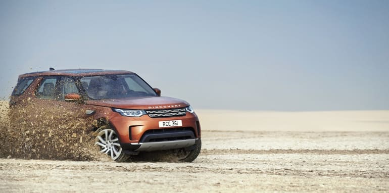 2017-land-rover-discovery__16