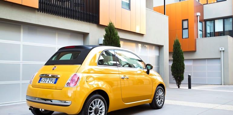 2013-Fiat-500-rear1