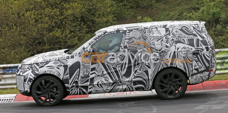 land-rover-discovery-spy-5-side
