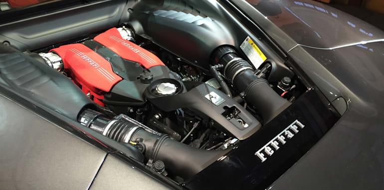 Ferrari-488-GTB-12
