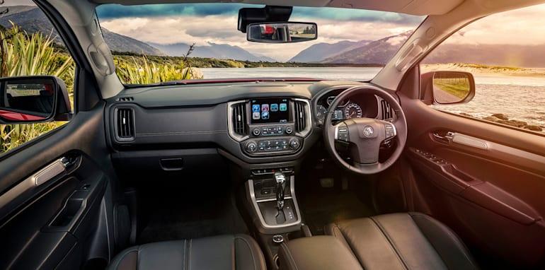 holden-colorado-z71-facelift-interior