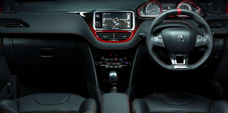 Peugeot 208 GTi 029