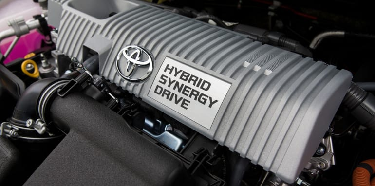 2016_toyota_corolla_hybrid_pre-production_06