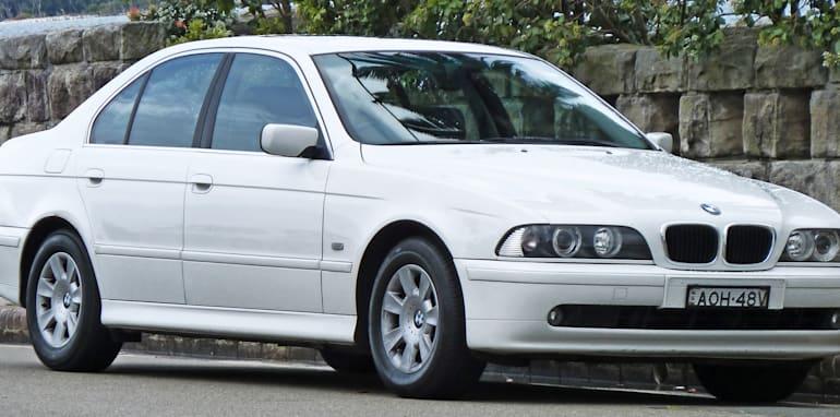 2000-2003_bmw_525i_e39_executive_sedan_2010-10-02_01
