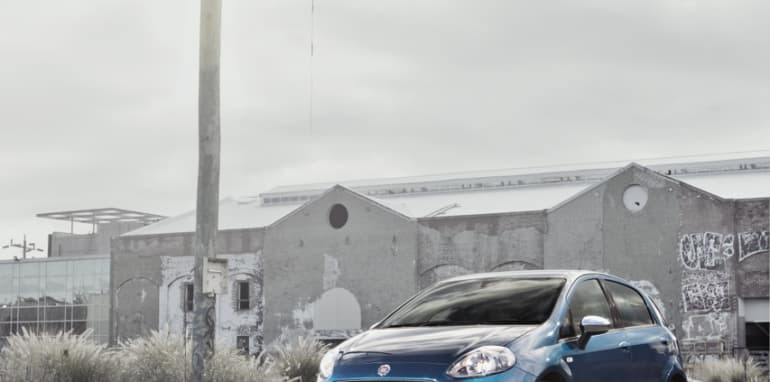 2014-Fiat-Punto-Review-03