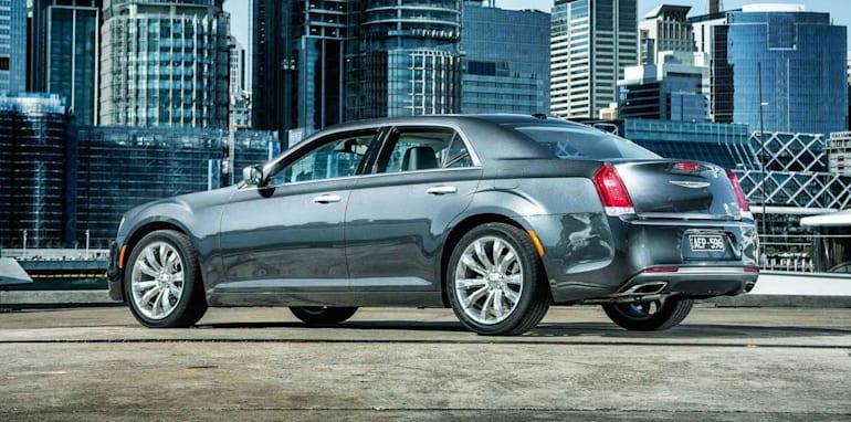 2015-Chrysler-300C-2