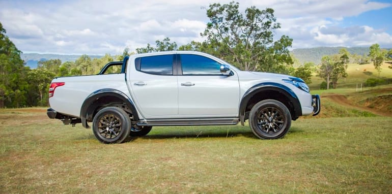 2017-mitsubishi-triton-gls-sports-edition_2