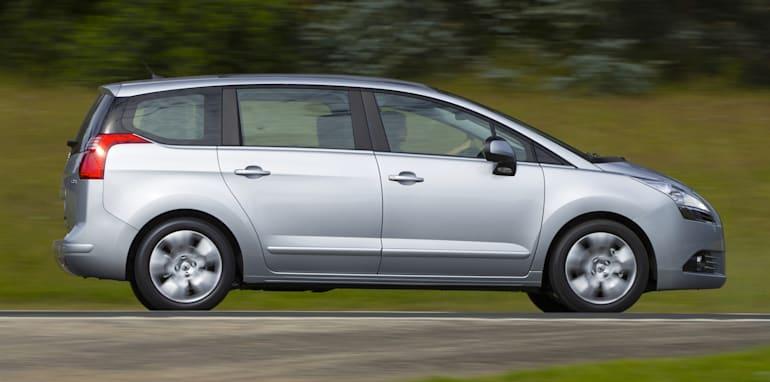 Peugeot 5008 profile