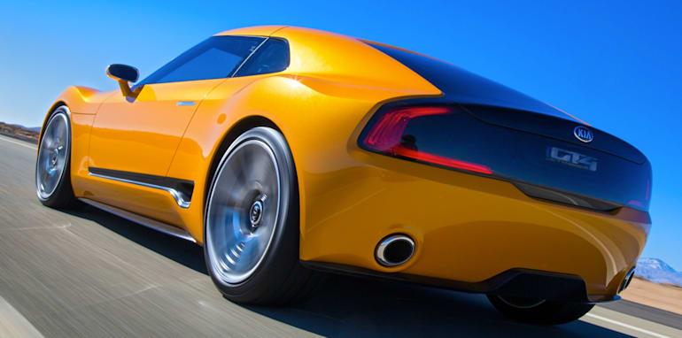 Kia-GT4-Stinger-rear-dynamic-driving