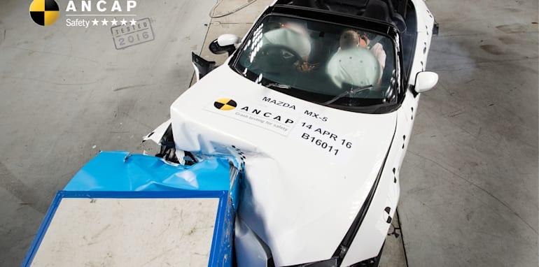 PHOTO - Mazda MX-5 (2016-onwards) frontal offset B