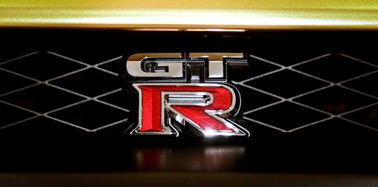 nissan-gt-r-bolt-gold-badge