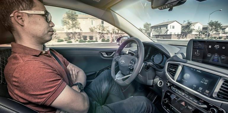 HYUNDAI MOTOR COMPANY INTRODUCES NEW AUTONOMOUS IONIQ CONCEPT AT