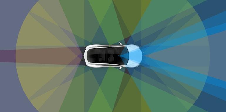 tesla_enhanced-autopilot_04