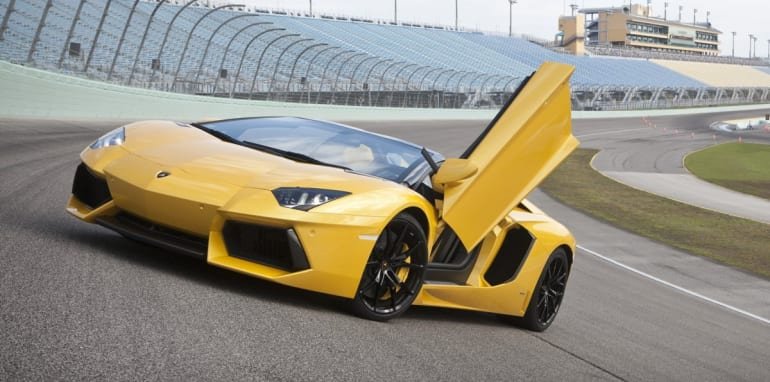 Lamborghini Aventador Lp700 4 Roadster 795 000 Price Tag Announced