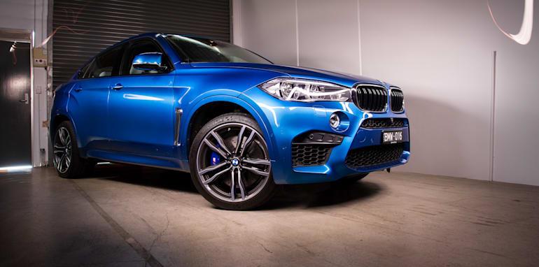 2015-BMW-X6M-SUV-25