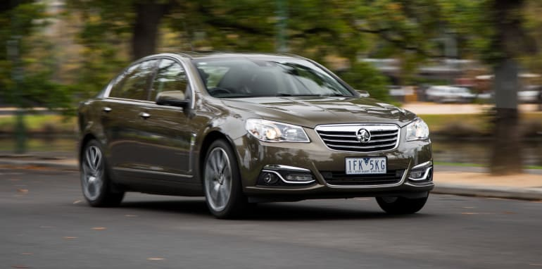 2016-subaru-liberty-3.6R-v-holden-commodore-calais-comparison-72