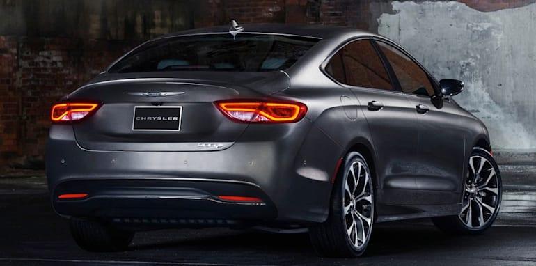 Chrysler 200 rear side