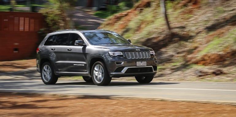 2015-jeep-grand-cherokee-summit-24