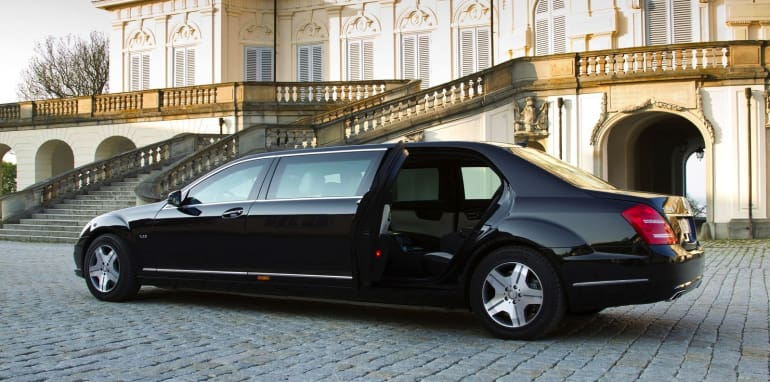 Mercedes-Benz-S600-Pullman-Guard