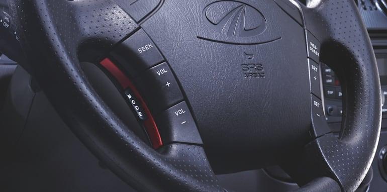 PIKUP09DC_interior_steeringwheel
