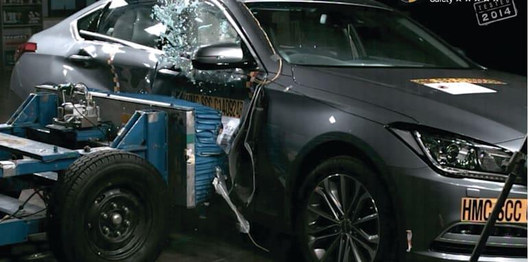 PHOTO - Hyundai Genesis 2014 (5 star) side impact