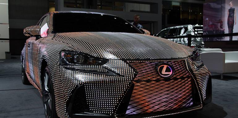 lexus-lit-is-22