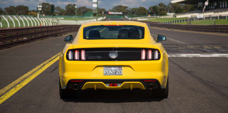 2017-ford-mustang-lt-21