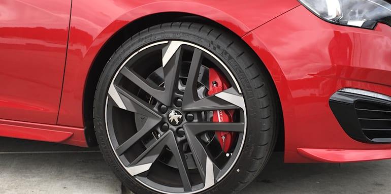 Peugeot 308 GTi - 17