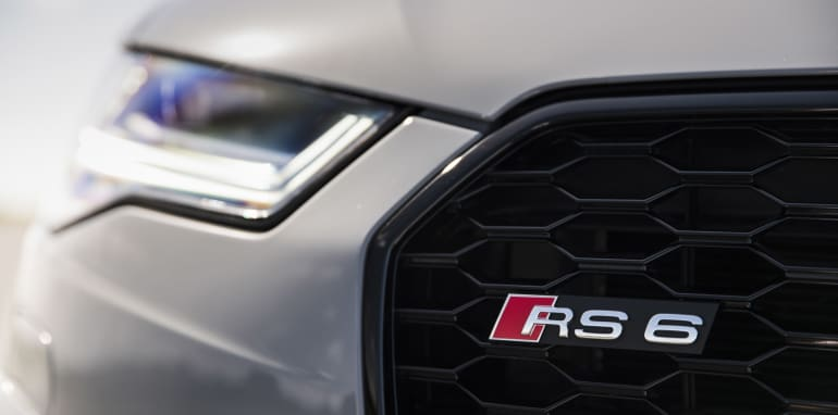 2016-Audi-RS6-Avant-Performance-14