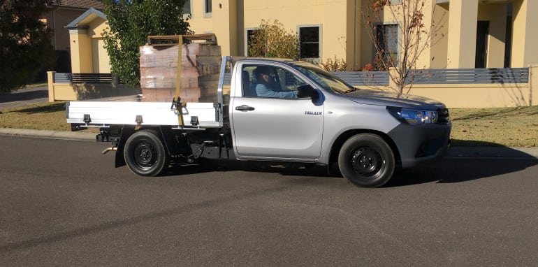 Toyota HiLux Workmate_4
