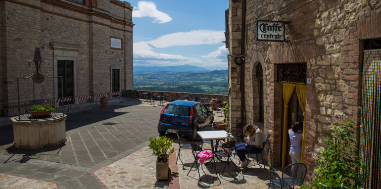 worlds-greatest-driving-roads-todi-to-orvieto-13