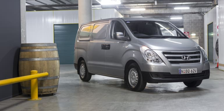 2016 Hyundai iLoad h1 SCR-39