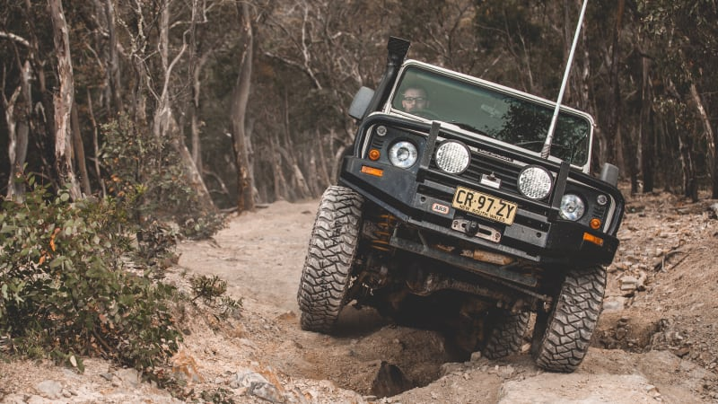 Project Cars: 2001 Land Rover Defender 130 – Update