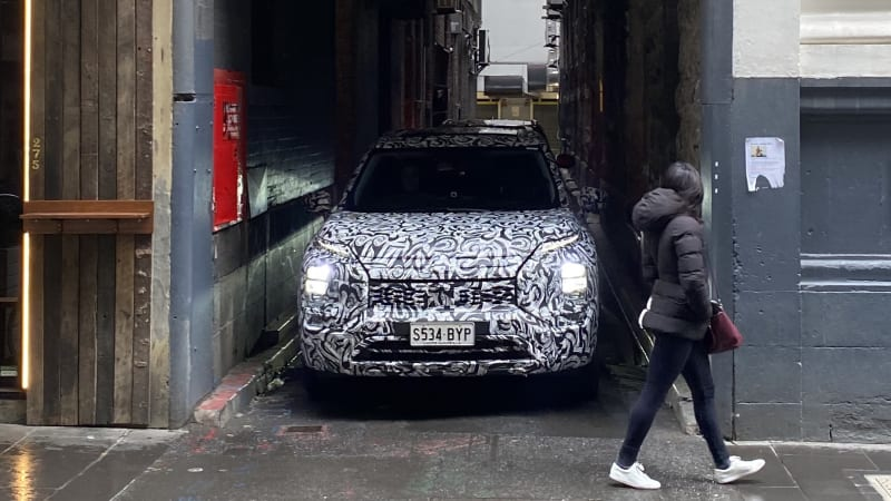 2022 Mitsubishi Outlander caught on camera in Australia, due in showrooms October 2021