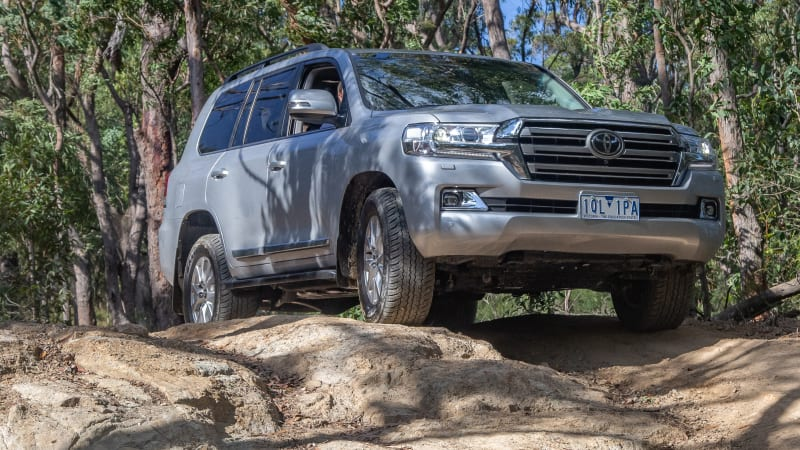 2021 Toyota LandCruiser 300 Series now tipped for mid-2021 –report