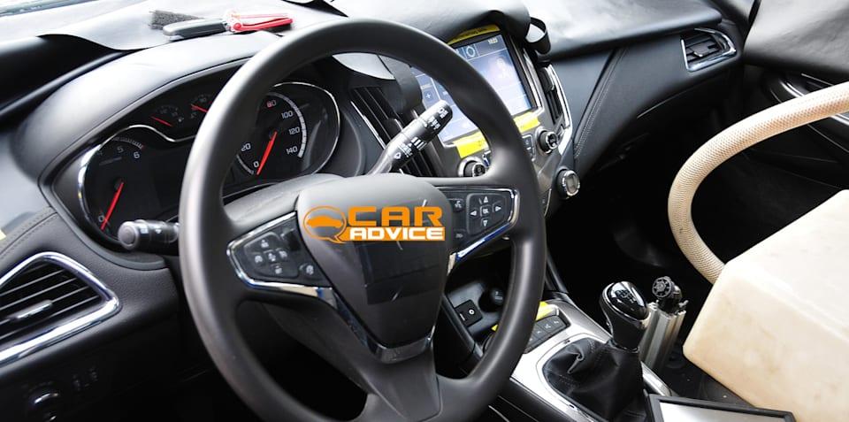 2016 Holden Cruze interior revealed