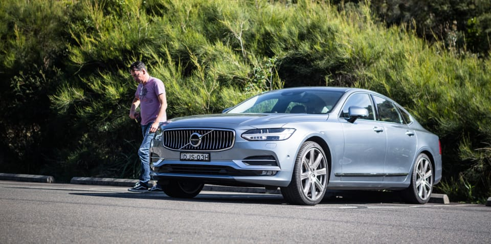 Volvo V40 and S90 axed, V90 'on the backburner'