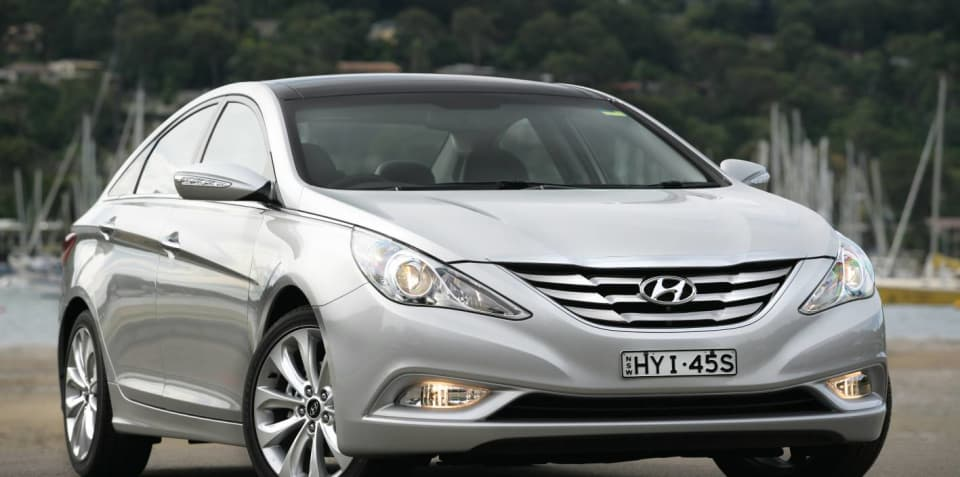 Hyundai i45 vs Kia Optima comparison review