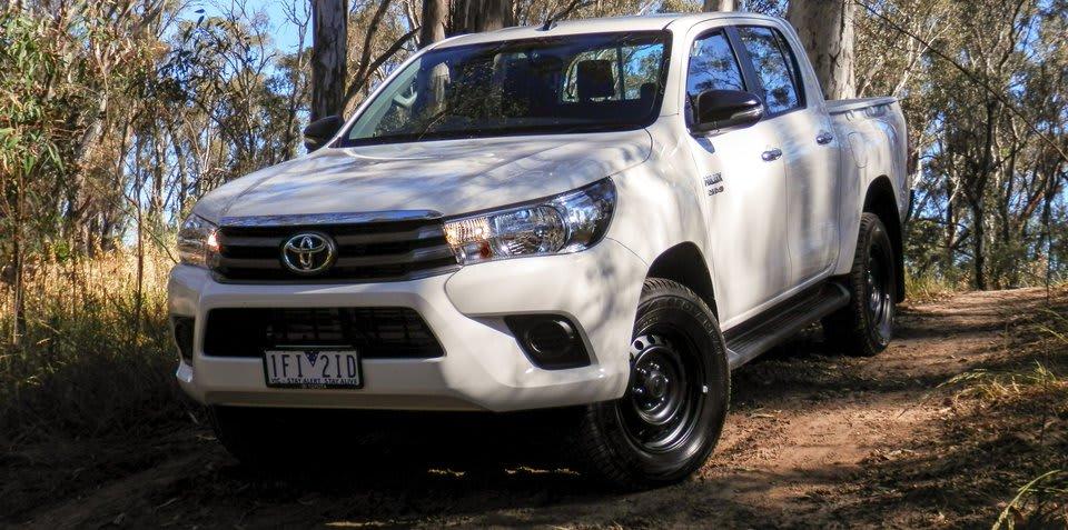 Toyota hilux sr dual cab