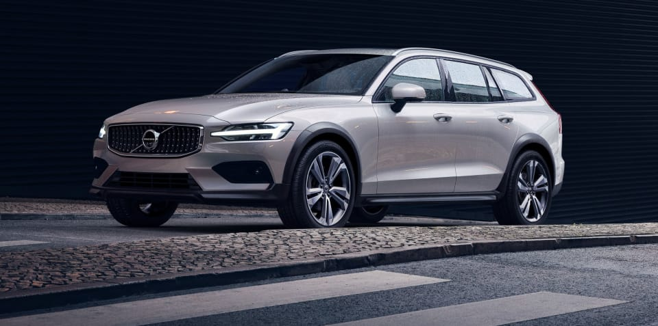 2019 Volvo V60 Cross Country unveiled